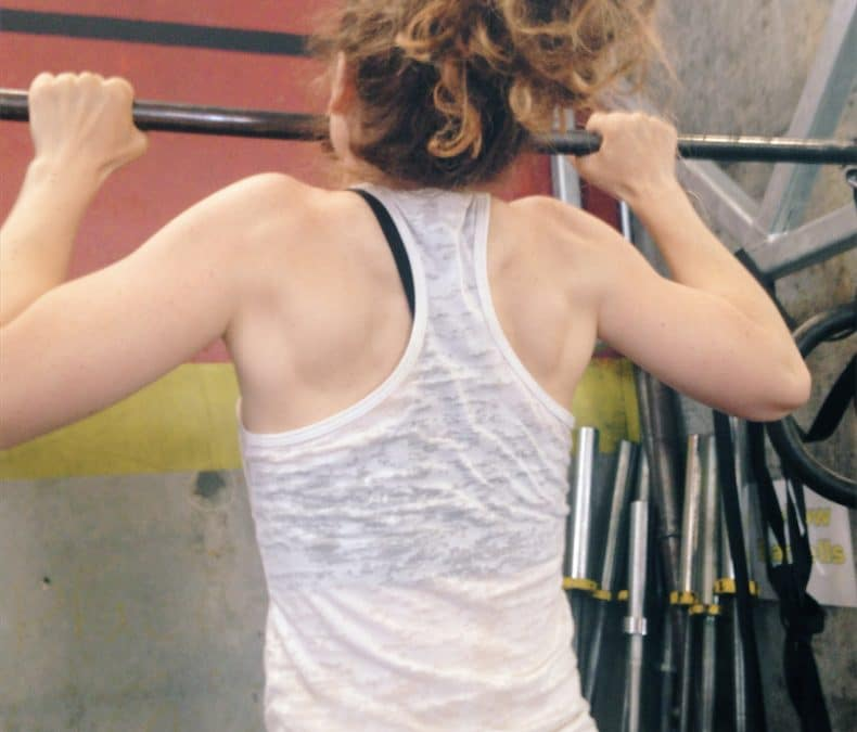 Elastic bands are doing more harm to your pull-up progress than good